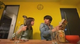 リモートドラマ『Living』第3話(6月6日放送)に出演する仲里依紗、中尾明慶(C)NHK