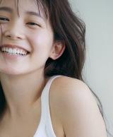 久間田琳加ファーストスタイルブック『りんくまがじん』(C)三瓶康友/Seventeen