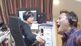 古坂大魔王(左)プロデュース曲「ハンバーグ」配信するハンバーグ師匠こと井戸田潤