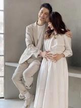 第1子妊娠を発表したJOY&わたなべ麻衣夫妻