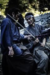 復讐に燃える武士を演じる山崎賢人と坂口拓のアクションシーン(C)2020 CRAZY SAMURAI MUSASHI Film Partners