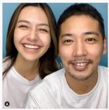 結婚を報告したSono Duly(左)と佐藤祐基 (佐藤祐基のインスタグラムより)