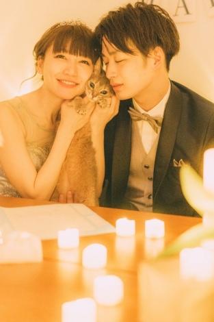 サムネイル 6歳年下男性との再婚を発表した桃(桃のオフィシャルブログより)