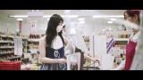 下尾みう=メッセージソング「離れていても」MVより(C)AKB48/キングレコード