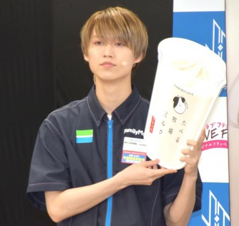 ファミリーマート『JO1×フラッペ 夏の新フレーバー推しメンバー発表』イベントに登壇したJO1・白岩瑠姫 (C)ORICON NewS inc.