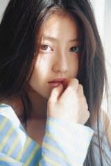 今田美桜写真集『ラストショット』未公開ショット(撮影=三宮幹史)