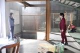 『美食探偵 明智五郎』最終話に出演する小池栄子、中村倫也(C)日本テレビ