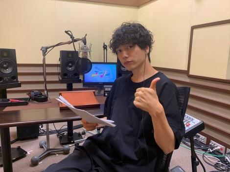 連続テレビ小説『エール』第1回〜第6回の解説放送を担当する山崎育三郎 (C)NHK