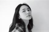 写真展『YUI ARAGAKI NYLON JAPAN ARCHIVE BOOK 2010-2019 PHOTO EXHIBITION』を開催する新垣結衣