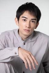 NHK・BSプレミアムで8月15日放送、ドキュメンタリードラマ『Akiko's Piano 被爆したピアノが奏でる和音(おと)』に出演する町田啓太