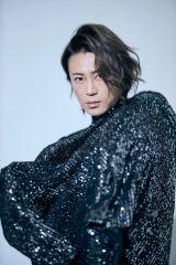 『氷川きよし写真集 kii-natural』(撮影:廣瀬靖士/主婦と生活社)初公開カット