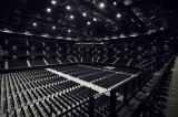 ステージと客席が近い、縦長のハコ型構造が特徴の「ぴあアリーナMM」