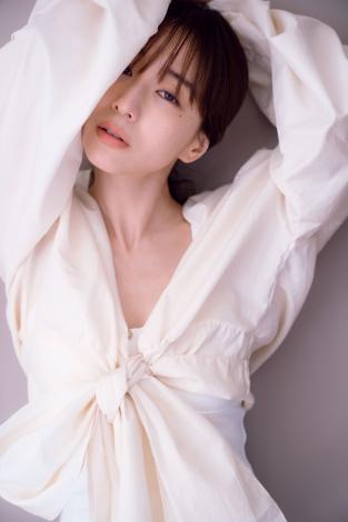 サムネイル 田中みな実が表紙を飾った『sweet』8月号増刊付録BOOK「minami is...」