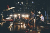 """ソロデビュー10周年記念配信ライブ『Gen Hoshino's 10th Anniversary Concert """"Gratitude""""』を開催した星野源 撮影:西槇太一"""