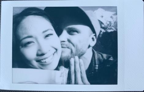サムネイル 日本テレビ系列『踊る!さんま御殿!!』で結婚を発表した藤森由香(左)