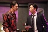 カンテレ・フジテレビ系火9ドラマ『竜の道 二つの顔の復讐者』より(左から)玉木宏、高橋一生 (C)カンテレ