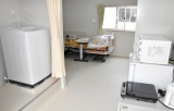 個室型プレハブハウスの臨時療養施設 (C)ORICON NewS inc.