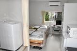 家族で入居する個室型プレハブハウスの臨時療養施設 (C)ORICON NewS inc.