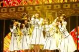 """日向坂46無観客配信ライブ『HINATAZAKA46 Live Online,YES!with YOU!〜""""22人""""の音楽隊と風変わりな仲間たち〜』より Photo by 上山陽介"""