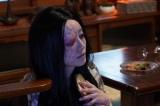 土曜ナイトドラマ『妖怪シェアハウス』第1話より。松本まりかが演じる四谷怪談のお岩さん(C)テレビ朝日