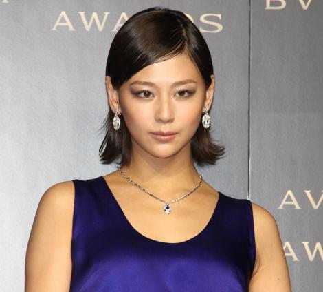 『BVLGARI AVRORA AWARDS 2019』のゴールデンカーペットセレモニーに登場した西内まりや (C)ORICON NewS inc.