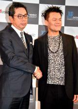 (左から)村松俊亮氏(ソニー・ミュージックエンタテインメント取締役)、パク・ジニョン氏(JYPエンターテインメントCCO) (C)ORICON NewS inc.