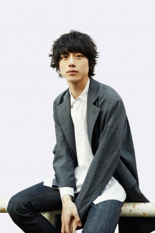 日本テレビ10月スタート新土曜ドラマ『35歳の少女』に出演する坂口健太郎
