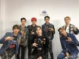 韓国からの中継で『ミュージックステーション』初出演したSuperMオフショット(左から)ベクヒョン、テン、マーク、テミン、ルーカス、カイ、テヨン