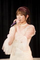 全メンバーが客席で見守るなかで卒業を発表した吉田朱里(C)NMB48