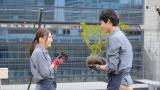 オリジナルドラマ『30禁 それは30歳未満お断りの恋。』に出演する(左から)出口夏希、鈴木仁(C)畑亜希美/小学館 フジテレビジョン