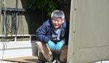 オリジナルドラマ『30禁 それは30歳未満お断りの恋。』に出演するおかやまはじめ(C)畑亜希美/小学館 フジテレビジョン