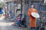 大河ドラマ『麒麟がくる』第22回より。伊呂波太夫と大和にやってきた駒(門脇麦)(C)NHK