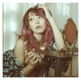 LiSA15thシングル「紅蓮華」通常盤ジャケット