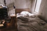 『窮鼠はチーズの夢を見る』場面カット 大倉忠義演じる恭一の部屋 (C)水城せとな・小学館/映画「窮鼠はチーズの夢を見る」製作委員会