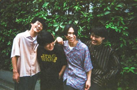 11月4日にトイズファクトリーからメジャーデビューするマカロニえんぴつ