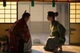 大河ドラマ『麒麟がくる』第23回(9月6日放送)より。すぐに大和の松永久秀(吉田鋼太郎)のもとを訪ねる光秀(長谷川博己)(C)NHK