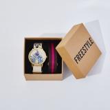 オリジナルグッズの腕時計(C)FREESTYLE 2020 SATOSHI OHNO EXHIBITION