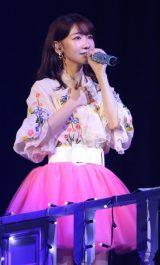 9月27日に初のオンラインライブを開催する柏木由紀(写真は2019年の中野サンプラザ公演)