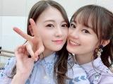 白石麻衣(左)の『卒業本』に生田絵梨花(右)のインタビューが掲載