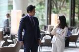 『SUITS/スーツ2』第11話に出演する織田裕二、上白石萌音 (C)フジテレビ