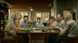 エイブの家族はなんとも複雑! パレスチナ系イスラム教徒の父方の家族とイスラエル系ユダヤ教徒の母方の家族はみんなで集まるといつも言い争いに発展=映画『エイブのキッチンストーリー』(11月20日より公開)(C) 2019 Spray Filmes S.A.