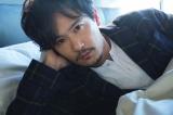 インタビューの中で芸能人生を振り返った稲垣吾郎=フォトエッセイ『Blume(ブルーメ)』(宝島社)より