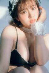 『LARME』046 Autumnに登場する井口綾子