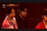 ケイ(左) 第2回ステージ評価でBTSの「FIRE」を披露=『I-LAND』Part1より(C)AbemaTV,Inc.