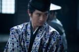 大河ドラマ『麒麟がくる』第24回より。足利義輝(向井理)(C)NHK