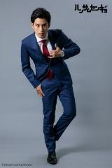 ドラマ『ハンサムセンキョ』(10月7日スタート)「ORIHICA」のスーツを着用した天童勇樹(武子直輝) (C)ハンサムセンキョ管理委員会