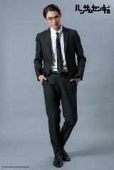 ドラマ『ハンサムセンキョ』(10月7日スタート)「ORIHICA」のスーツを着用したキース・篠宮(武藤賢人) (C)ハンサムセンキョ管理委員会