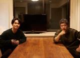 初のパーソナルブック『やぎら本』には、映画『誰も知らない』の是枝裕和監督の対談を収録 (C)SDP