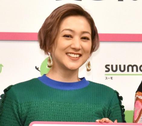 子育ての苦労を明かしたSHELLY=『SUUMO 住民に愛されている街ランキング2020』のトークショー (C)ORICON NewS inc.
