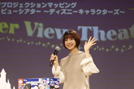 サムネイル 第1子出産後初の公の場に登場した篠田麻里子